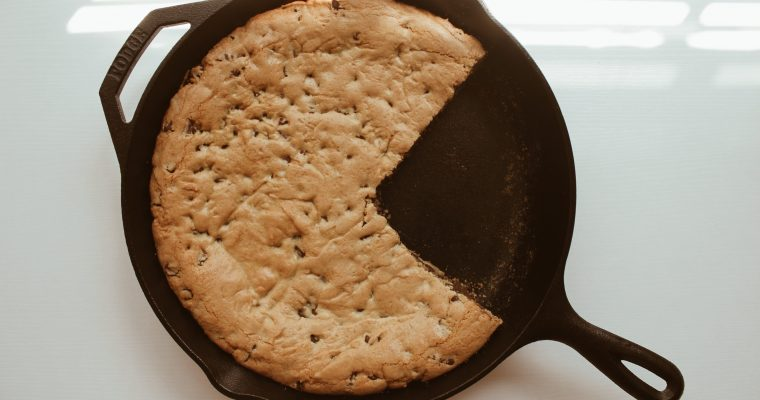 Easy Chocolate Chip Skillet Cookie Recipe