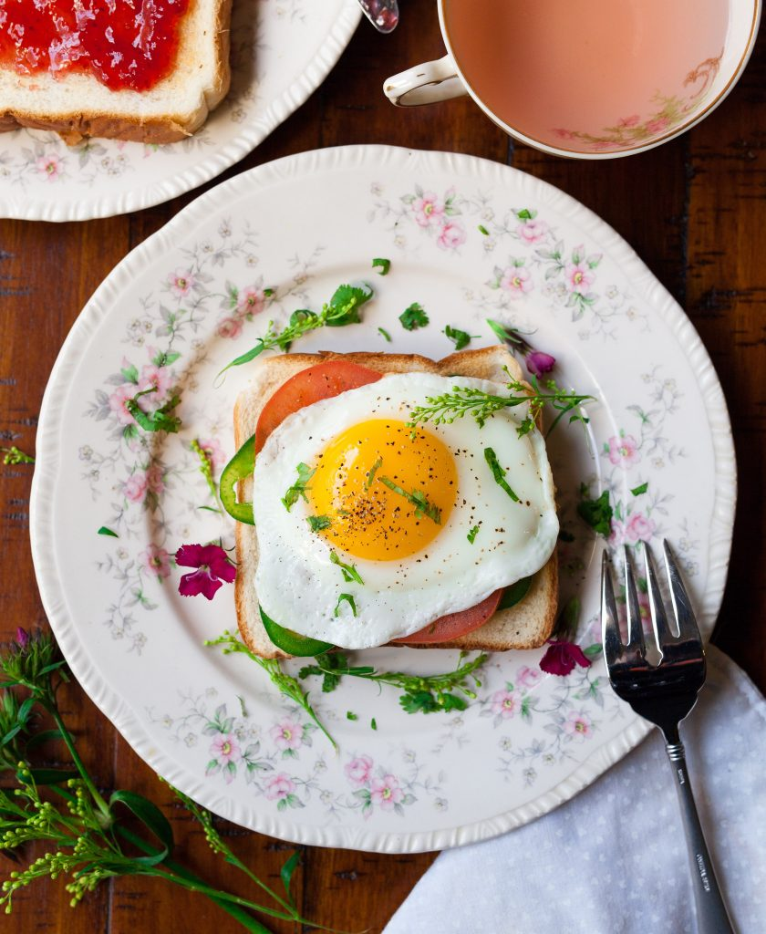 ow to fry an egg without oil or butter