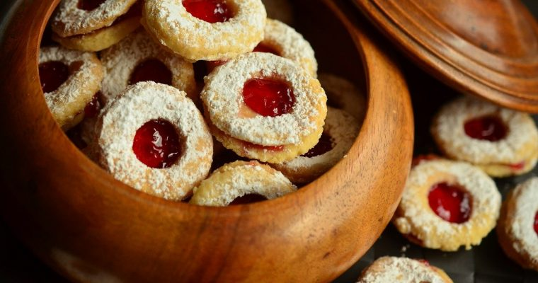 Easy Linzer Cookie Recipe