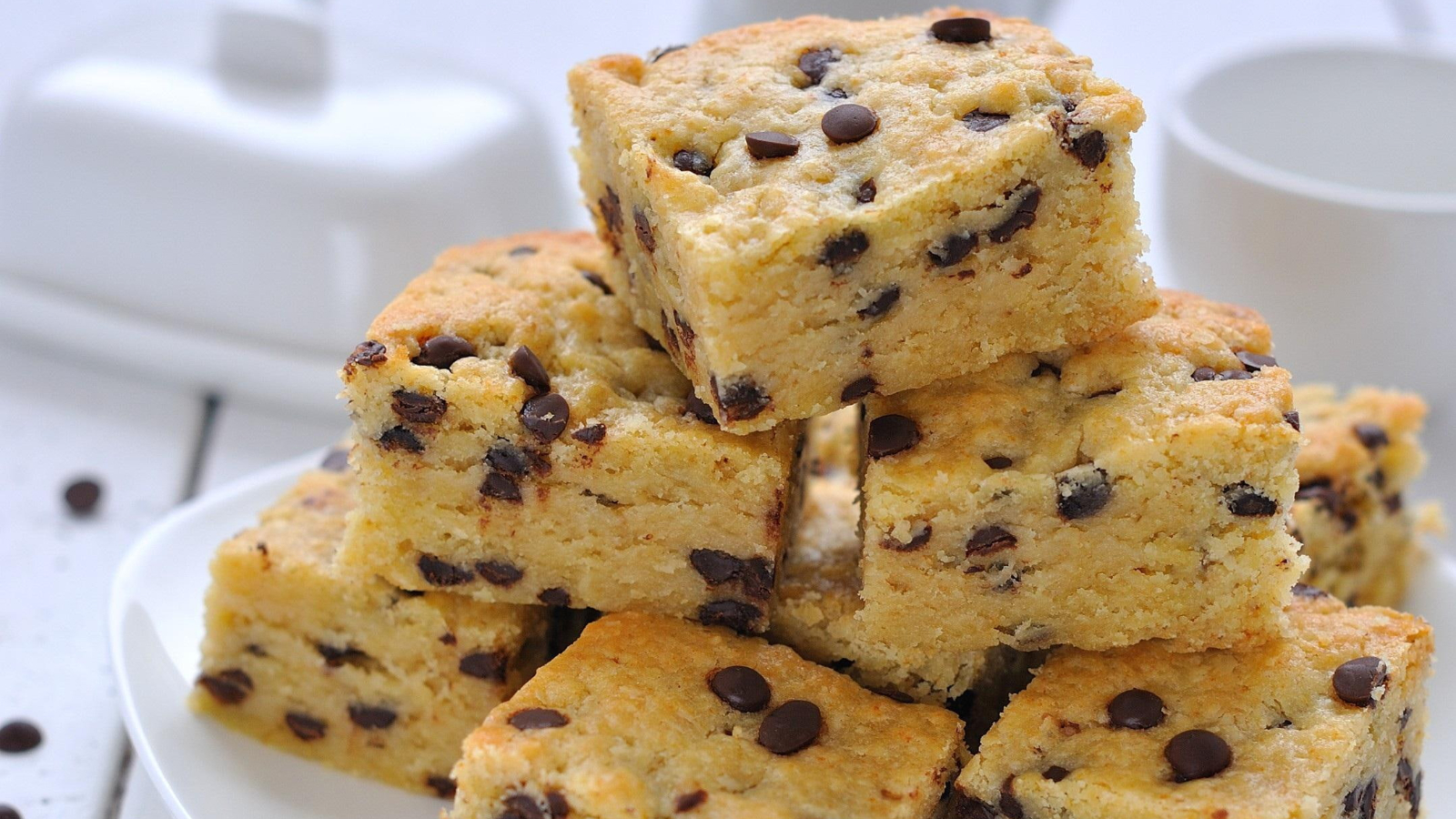 Gooey Chewy Chocolate Chip Blondies Without Brown Sugar