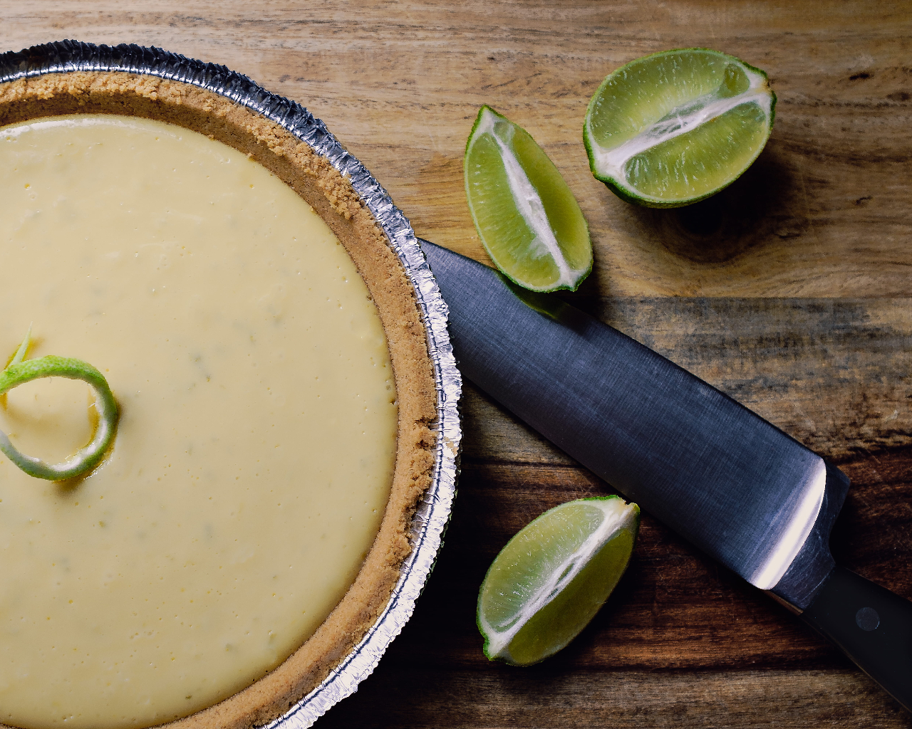 Easy Icebox Key Lime Pie No Bake Recipe (Gingersnap Crust)