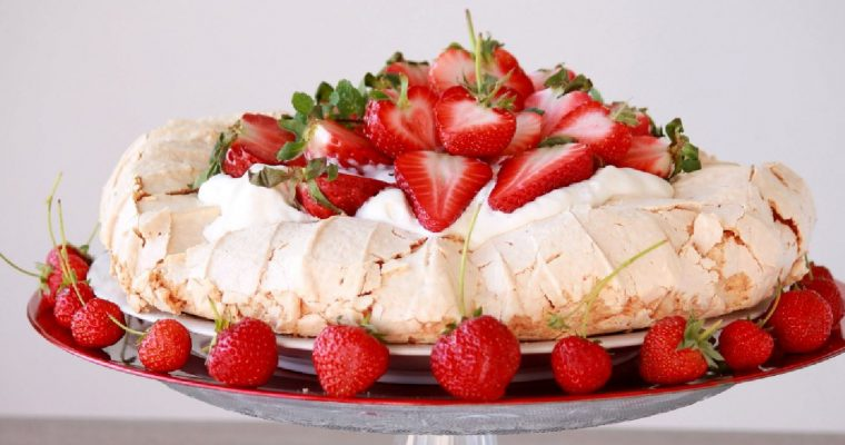 Pavlova Strawberries and Cream